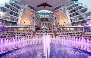 Aqua Theater on oasis