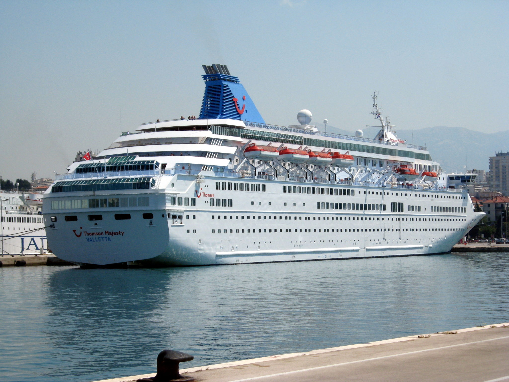Cruise line safety - Assignment Example