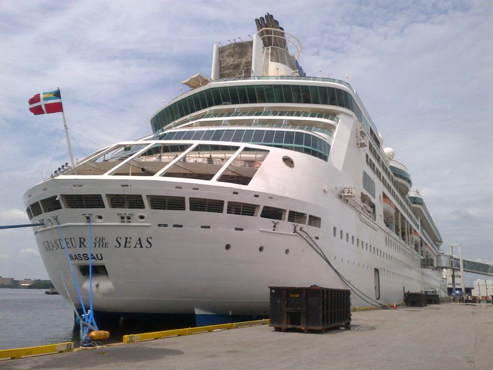 Royal Caribbean Cant Complete Repairs To Grandeur Of The Seas - Granduer of the seas