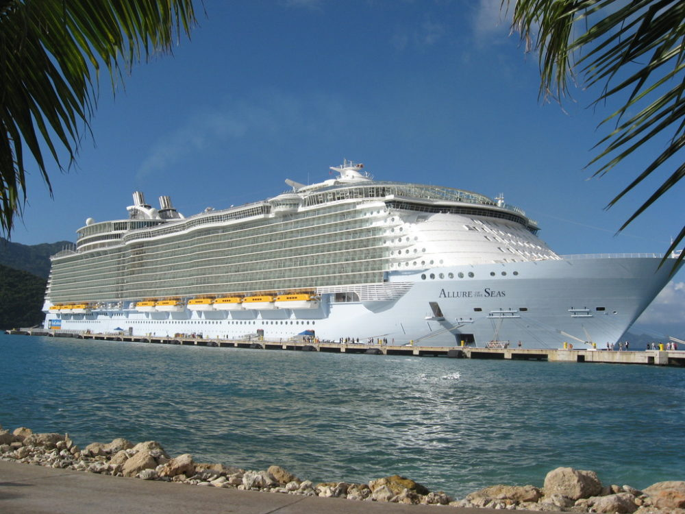 Propulsion Problems Hit World's Largest Cruise Ship