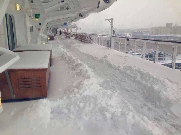 Queen Mary 2 Delayed In New York Due To Snow