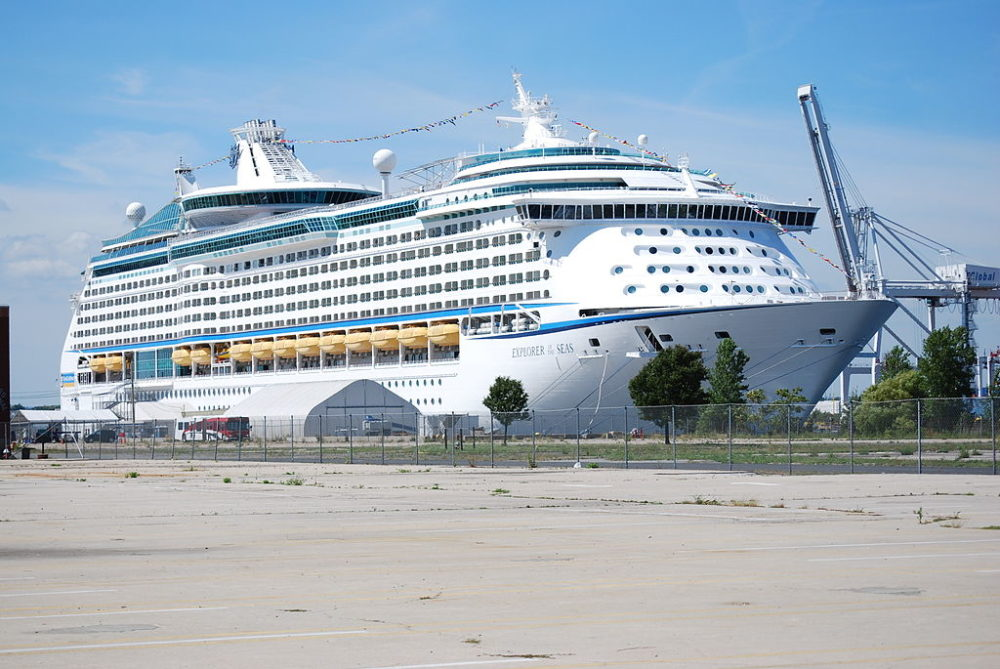 Royal Caribbean Giving Refunds To Passengers After Norovirus Outbreak - Which cruise ships have had norovirus outbreaks