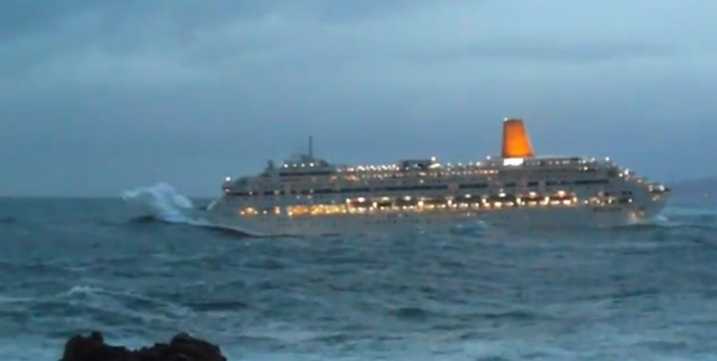 Video of the P&O Oriana Cruise Ship Rocked by Rough Seas