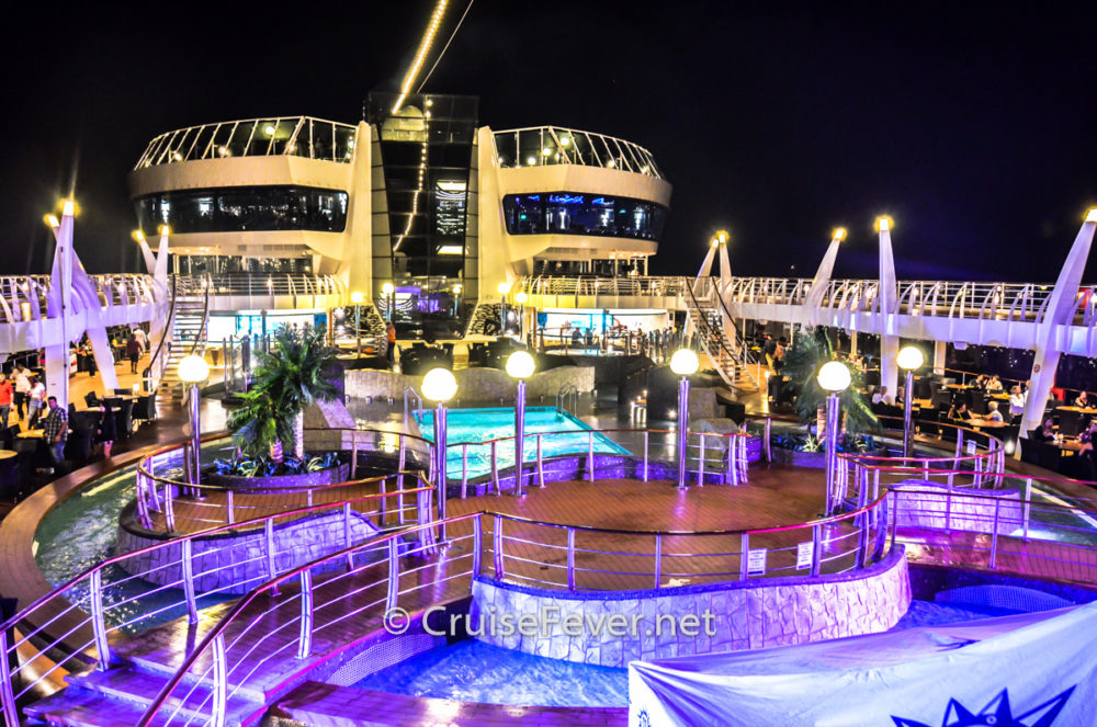 7 Cruise Traditions That Should Go Away