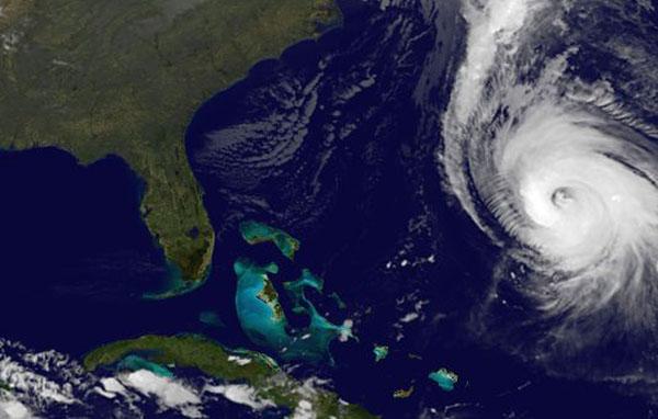 Major Hurricane Hitting Bermuda As Cruise Lines Change Itineraries