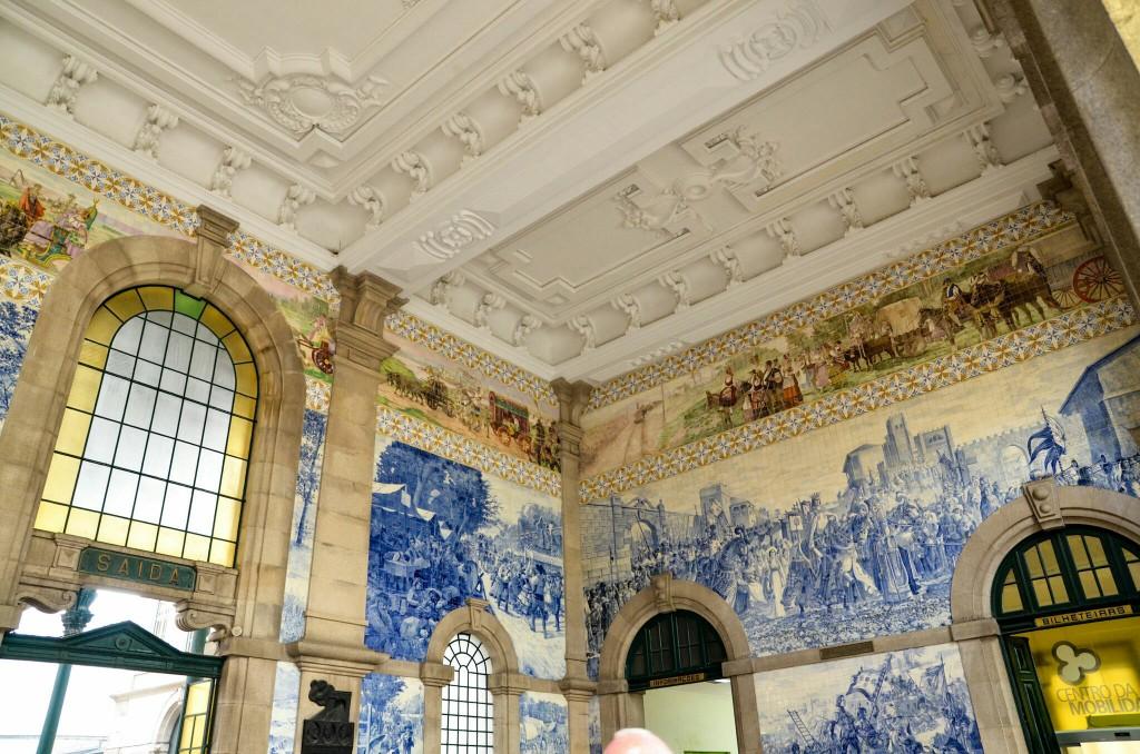 The fantastic train station in downtown Porto