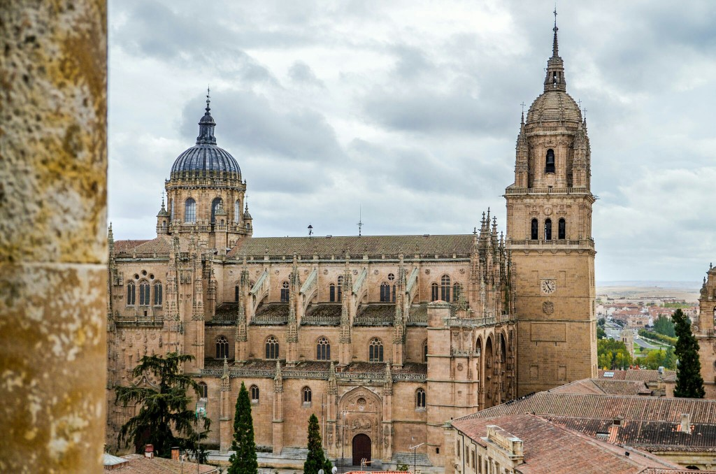 """The """"New"""" Cathedral was built during thr 16th and 18th centuries, blending two styles, Baroque and Gothic."""