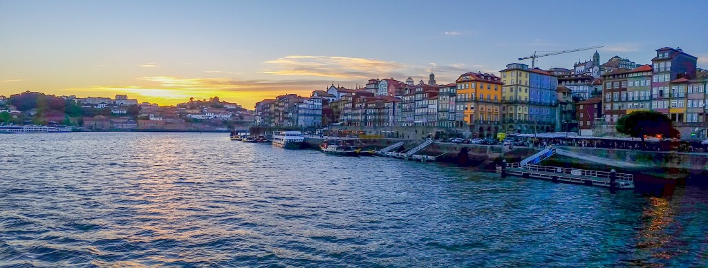 Sunset in Porto only means the vibrant nightlife comes to the surface.