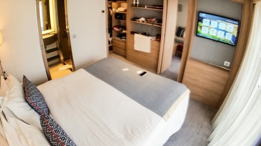 stateroom suite bedroom