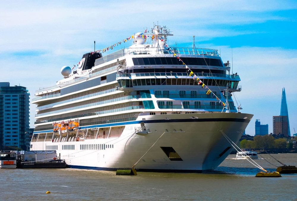 Reasons Why You Should Take A Cruise On Viking Ocean Cruises - Cell phone service on cruise ships