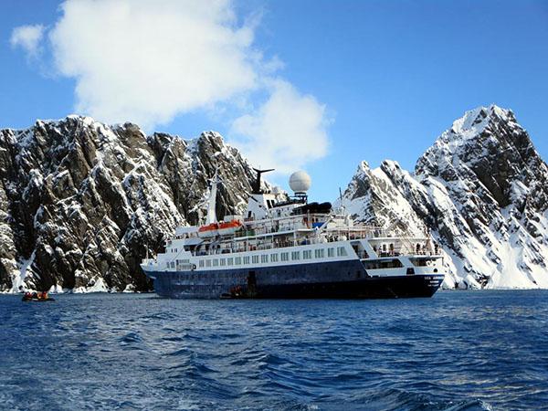 North-west-passage-cruise