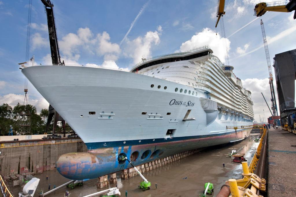 Cruise Ship Dry DockUpgrade Schedules For - How do cruise ships work