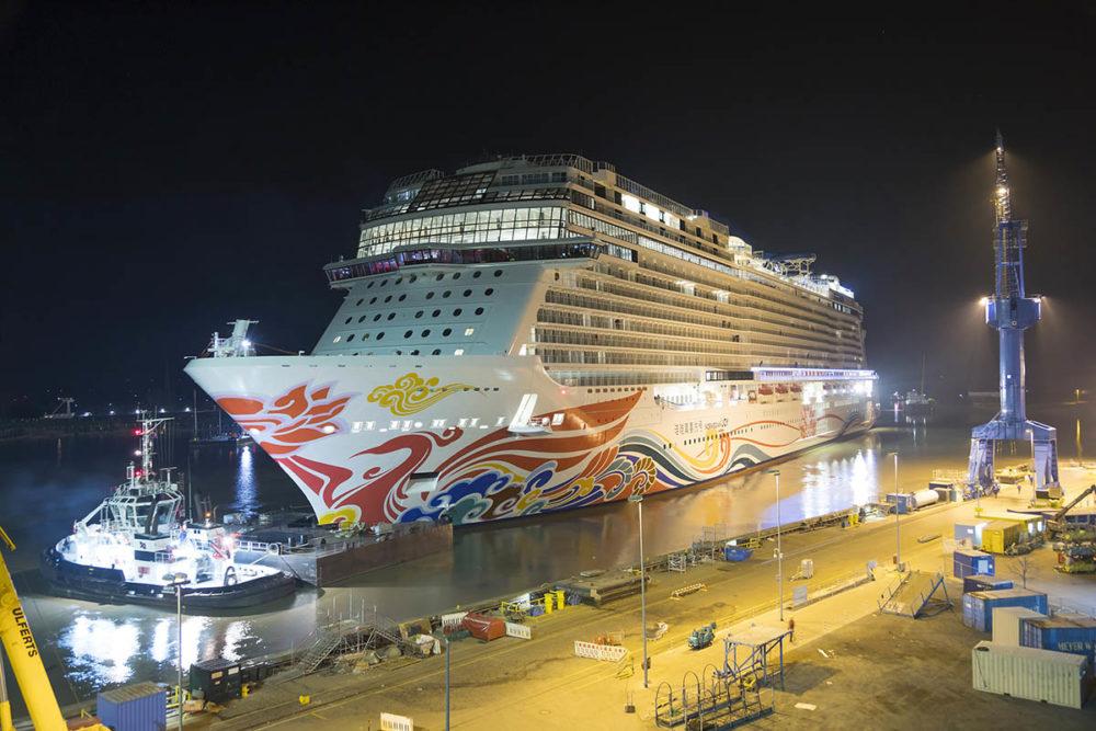 Norwegian Cruise Line S Newest Cruise Ship Leaves Shipyard