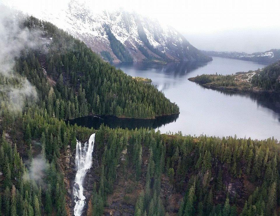 Pilot, 6 passengers survive crash at Alaska's Misty Fjords