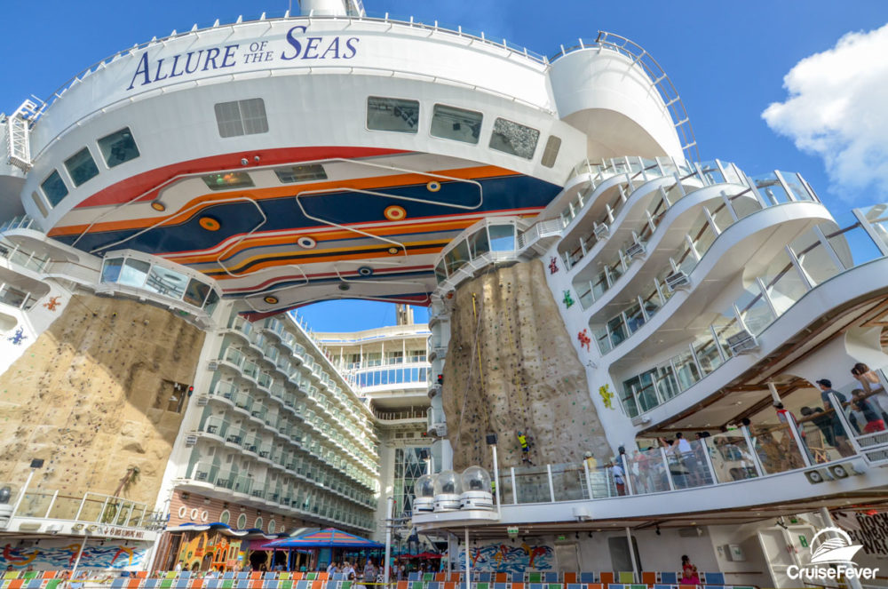 5 Reasons to Use a Travel Agent to Book Your Next Cruise
