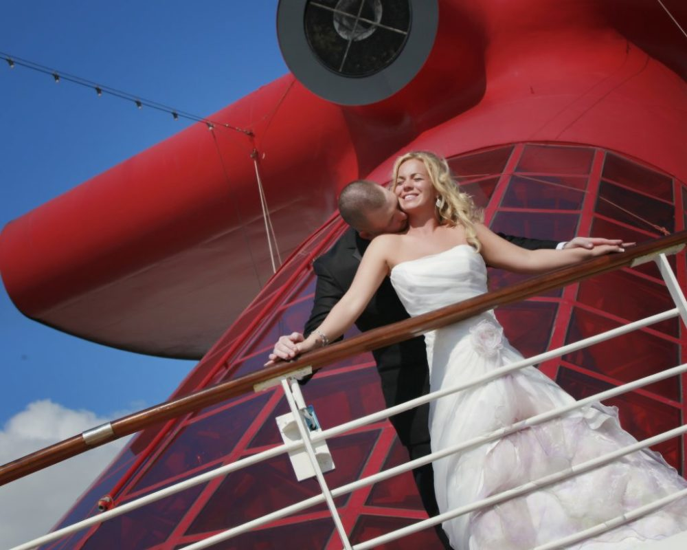 Popular Wedding Program That Lets Couples Say Their I Dos Onboard One Of 25 Cruise Ships The Line Offers An Array Packages