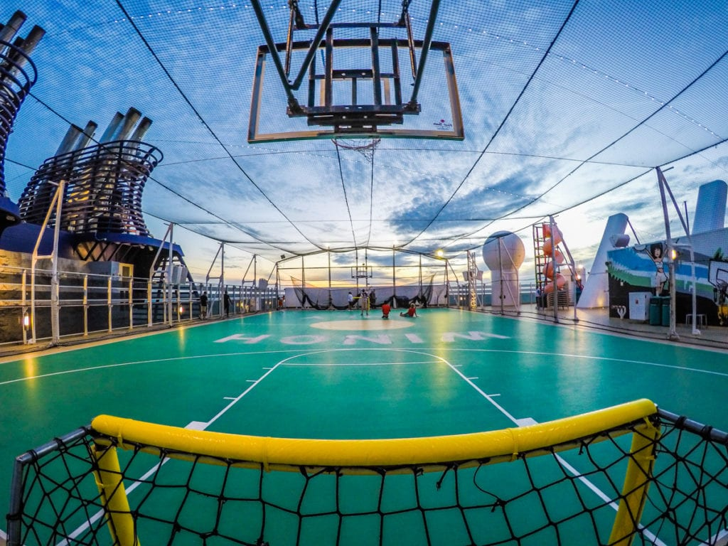 basketball court on norwegian epic