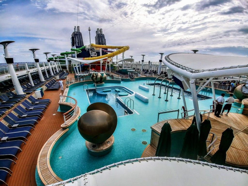 norwegian epic pool deck hot tubs