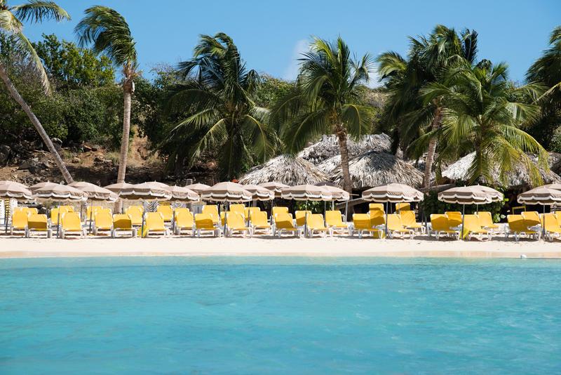 pinel island st maarten beach