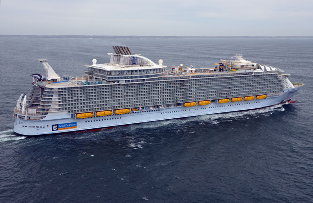 World S Largest Cruise Ship Joins Royal Caribbean S Fleet