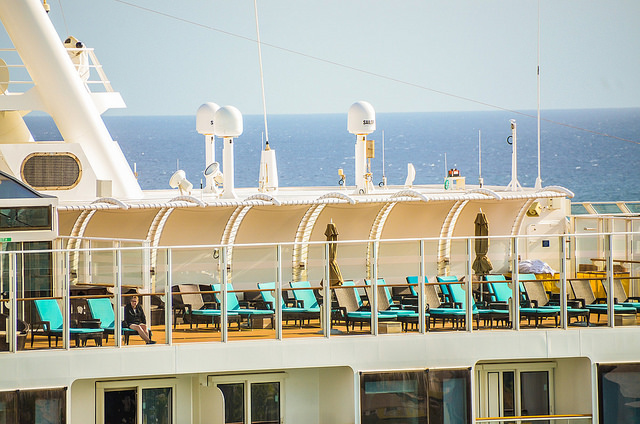 should I stay on the ship in port, cruise
