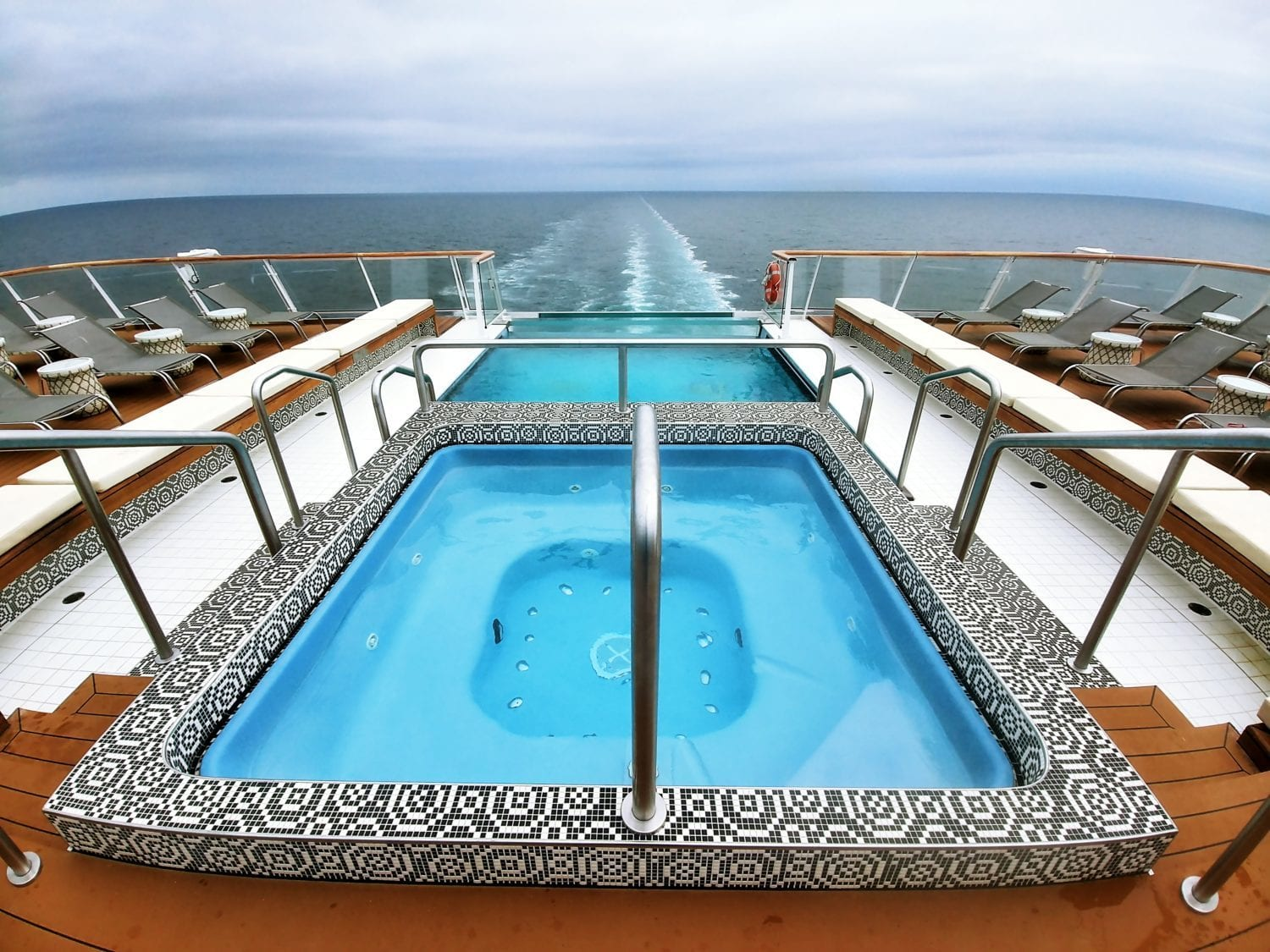 infinity pool viking sky