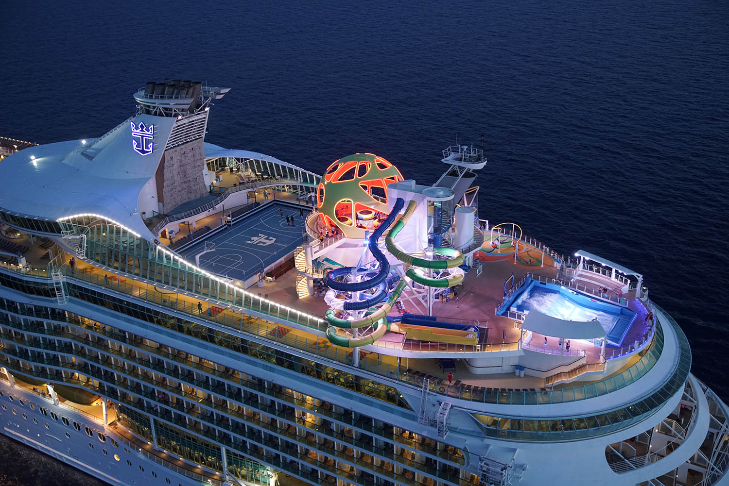 Video of Royal Caribbean Cruise Ship's New Sports Deck (cruisefever.net)