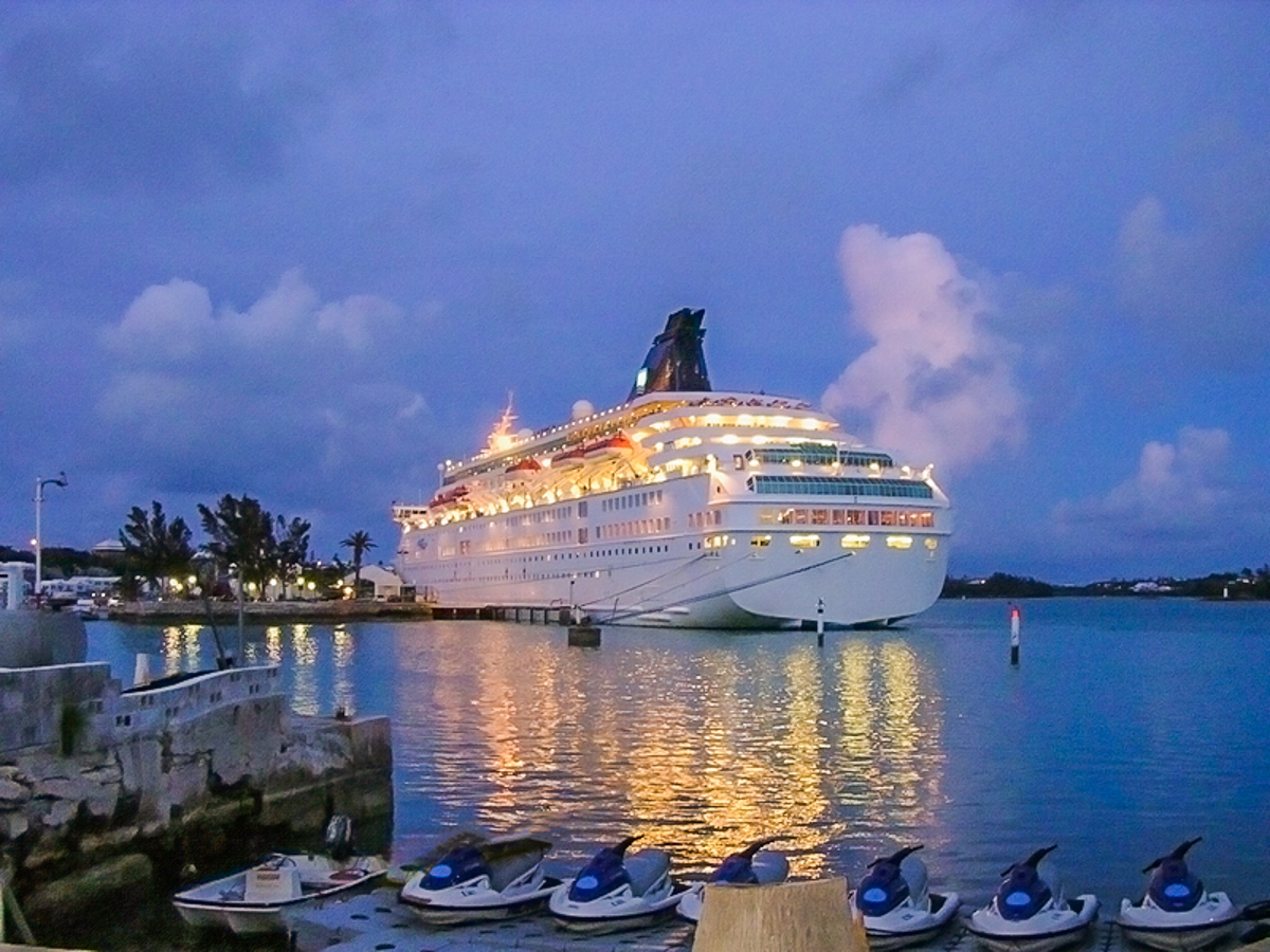 bermuda cruise at night