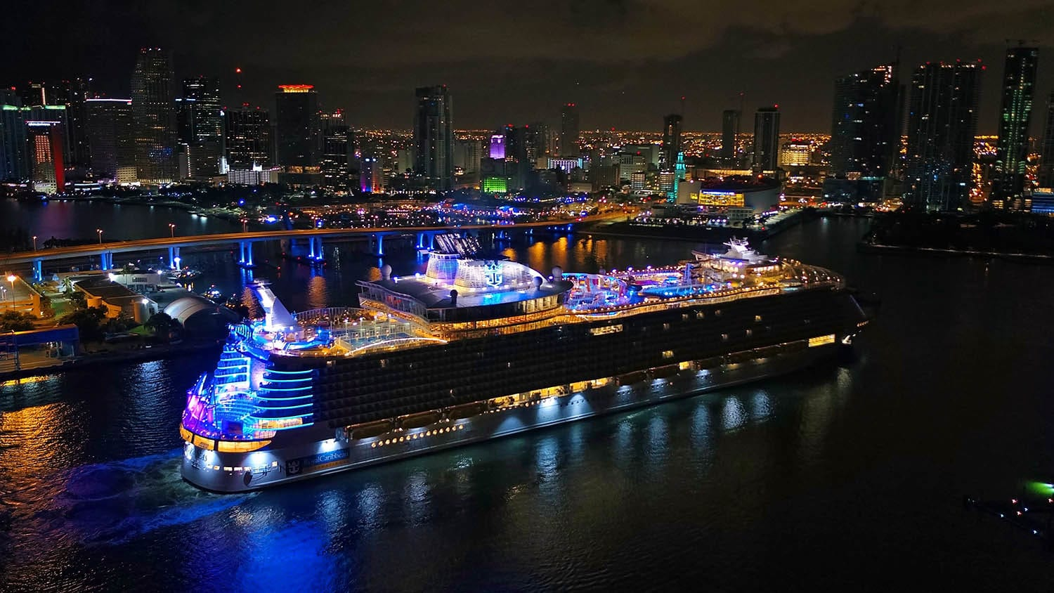 World S Largest Cruise Ship Arrives In Her Homeport Of Miami