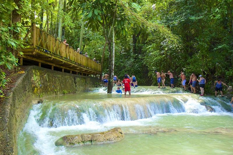 dunn river falls in ocho rios