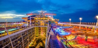 harmony of the seas pool deck