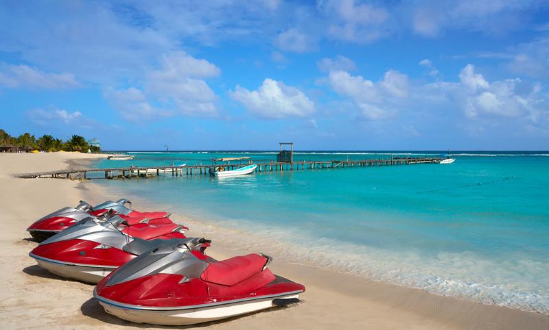 waverunners and jetskis in costa maya