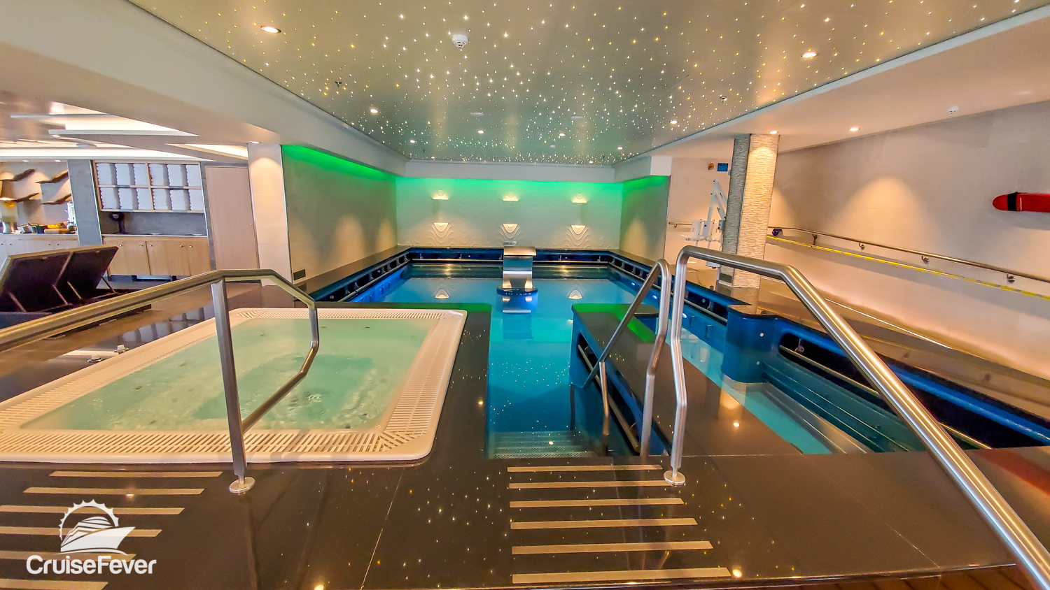 thalassotherapy pool in thermal suite