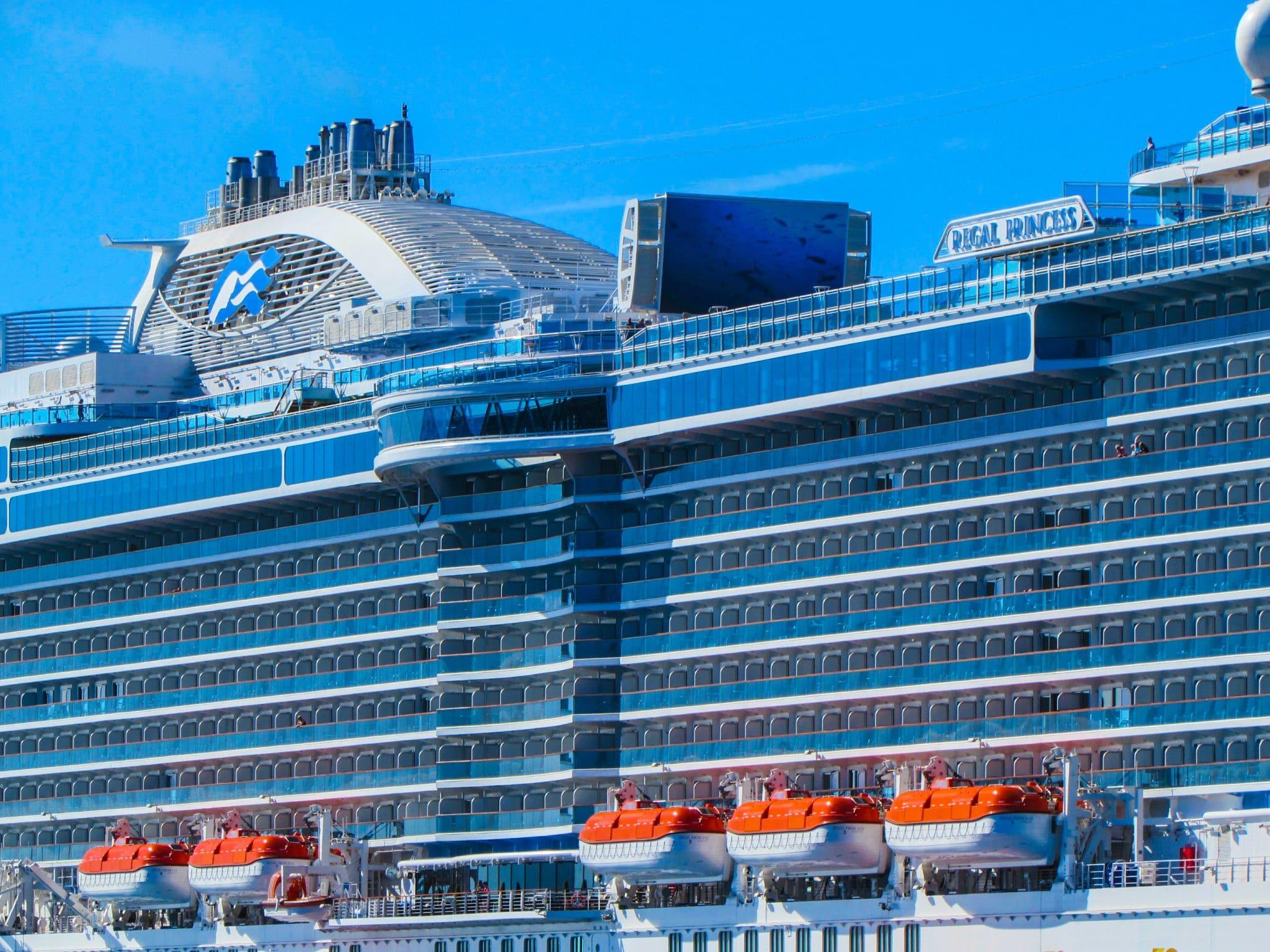 Royal princess cruises ship